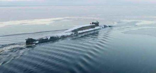 Во льдах Арктики всплыли три российские атомные подлодки