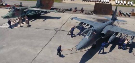 Российская авиация уничтожает игиловцев после атаки в Дейр-эз-Зоре